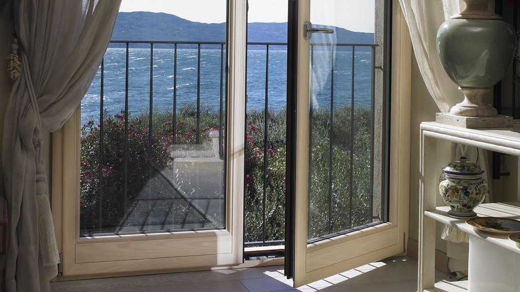 Finestre in alluminio o pvc prezzi online isola pvc roma for Prezzi finestre alluminio